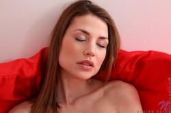 Claire-Dain-Bedroom-Rub-x102--l6s9kxfnd2.jpg