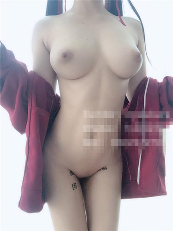宅男爆乳女神美少女+【有片】雪碧直播二度露「E奶乳暈」 粉絲狂截圖保存