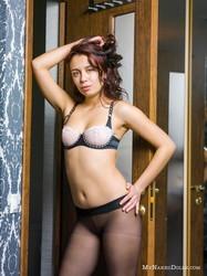 Karina-Obsession-with-pantyhose--26smx9jhwu.jpg