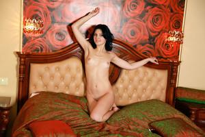 Florina-On-The-Bed--i7d07ef7ov.jpg
