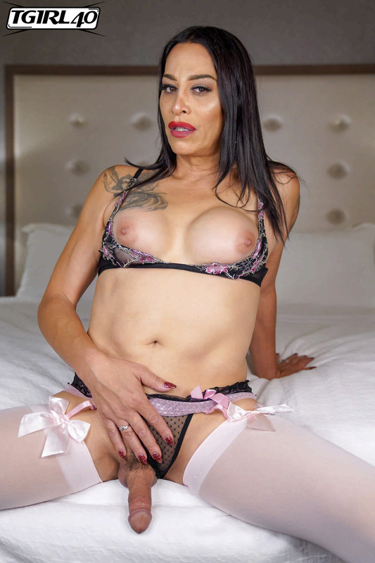 Glamorous TMilf Ms. Kraves! (27 November 2018)