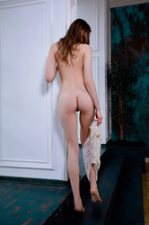 April-Key-Mature-Pleasure-173-pics-3200x4800-a6sodp476k.jpg