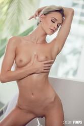 Emma-Hix-Looking-So-Hot-In-Sheer-White-Lace-%28x140%29-3744x5616-d6srwrrujn.jpg
