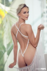 Emma-Hix-Looking-So-Hot-In-Sheer-White-Lace-%28x140%29-3744x5616-26srwqhl66.jpg