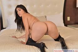 Stephanie-West-Naughty-America-281x-2500x1667-n6sslc8ful.jpg