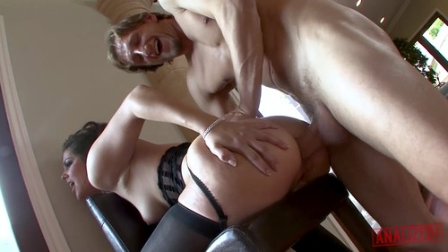 Analized - Bobbi Starr Squirting From Anal Sex