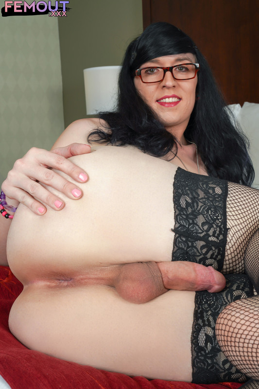 Bexy Lynne Shoots A Big Load! (5 December 2018)