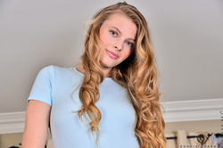 Sophie-Sparks-Blonde-Beauty-3600px--46svl8l7bw.jpg