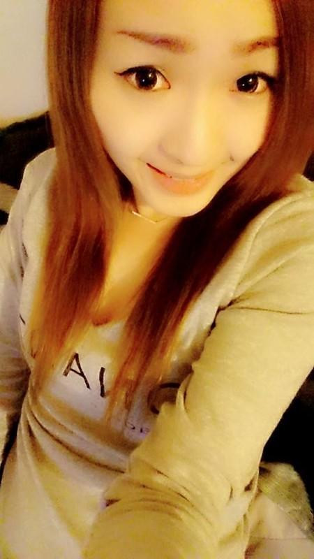 台湾養眼小美女私拍曝光流出小穴粉嫩叫床声超好听[39P+2V]