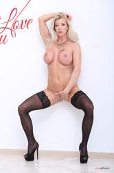 Lara-De-Santis-Natalie-Cherie-Fuck-you-n6sxlqcbp2.jpg