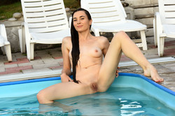 Lola-Cherie-Plaything-121-pictures-6016px--i6swsrn1ju.jpg