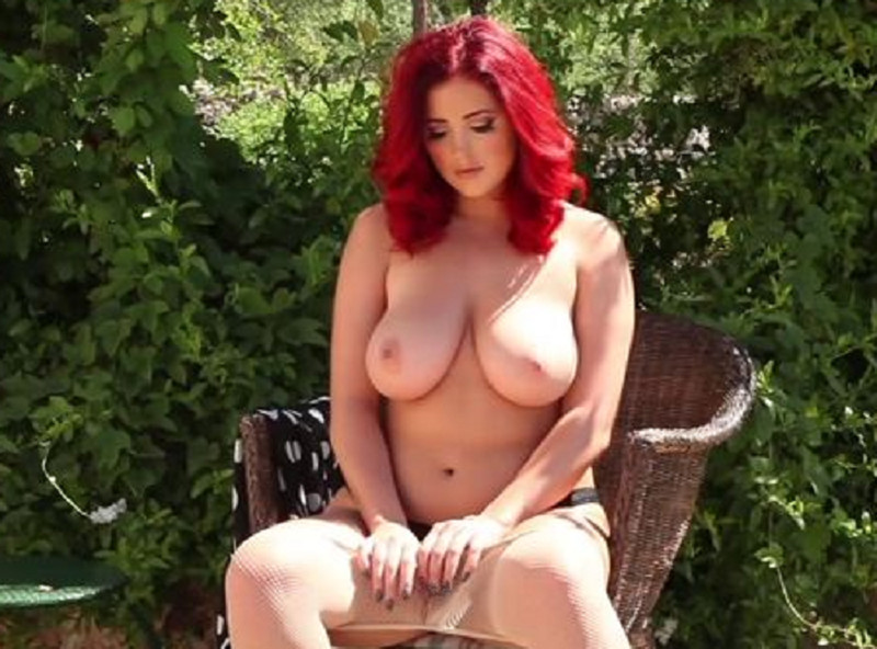 Lucy Collett strips outdoors
