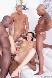 Vanessa-Vaughn-Hungry-Brunette-Takes-on-Four-Black-Studs-109-pics-1600x106-j6tal99odu.jpg