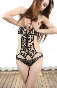 Carmen-Valentina-Meet-Me-By-The-XXXmas-Tree-88-pics-2000px-66tcgj7p6q.jpg