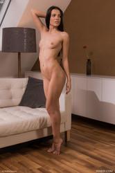 Sapphira-Getting-Naked-5000-px-79-pics-k6tc6i32t2.jpg