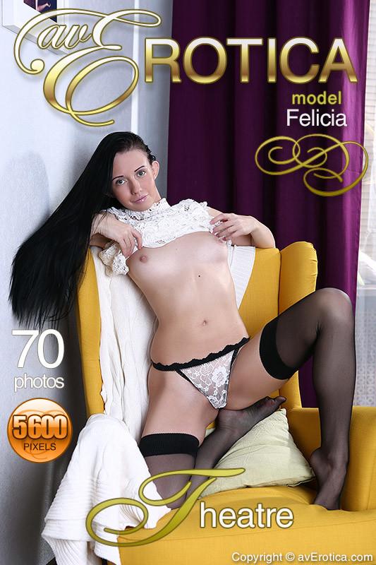 Felicia - Theatre (X70)