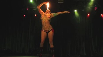 Celebrity Content - Naked On Stage - Page 14 T3058vkfc9by