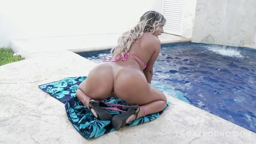 Latina slut Mia Linz rough DP with two monster cocks SZ2017 / 12.07.2018