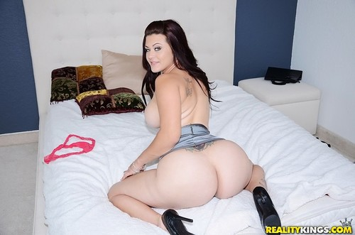 [MilfHunter / RealityKings] Carmen Ross (Big booty mama) [2013 , 1on1, ass-worship, bigass, bigtits, blowjob, brte, cum-tits, doggystyle, latin, straight, tattoo, tittyfuck]