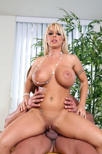 cruiser-halston-holly-milf-female-arabian-nude-butt