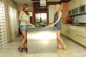 S0phie Mo0ne Sophie Moone, Jessika Lux - Cooking