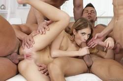 Rebecca-Volpetti-4-On-1-Gang-Bangs-%2312-271x-t6uq2p8542.jpg