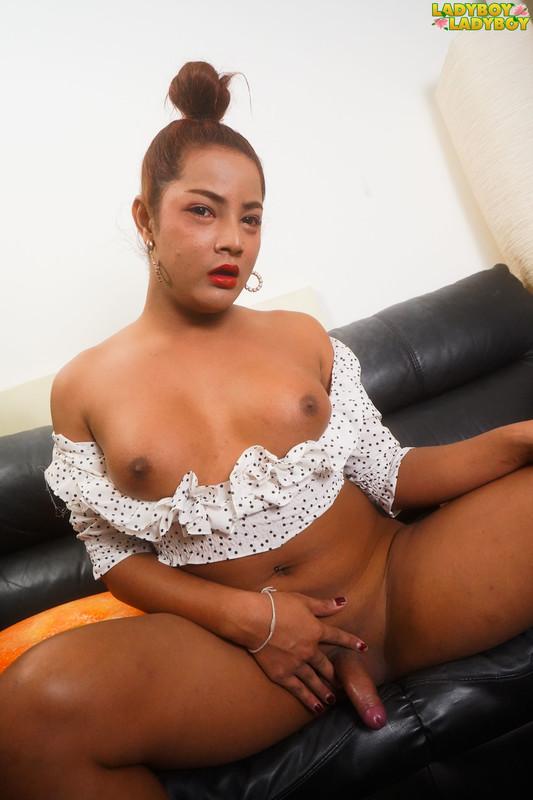 Mai Pleasures Her Cock! (25 February 2019)