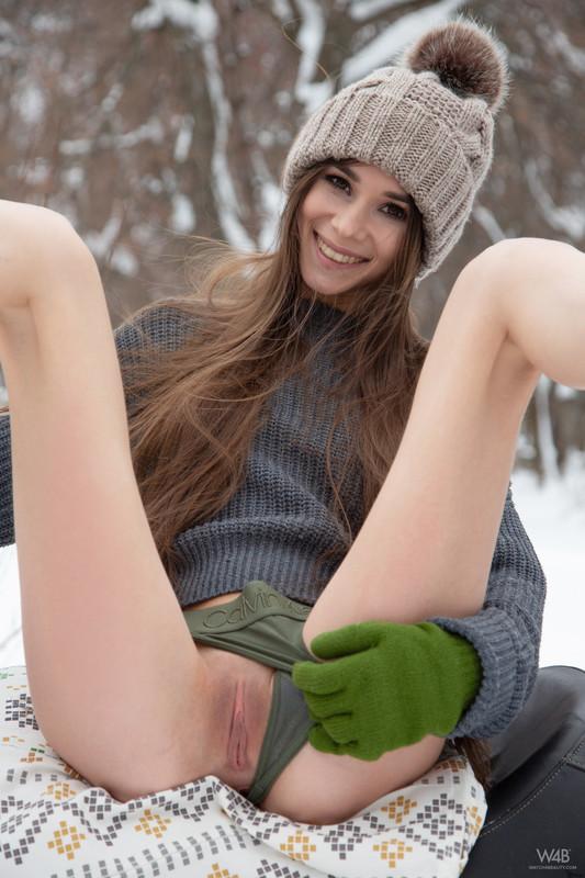 Leona Mia - Snowmobile (03-03-2019)