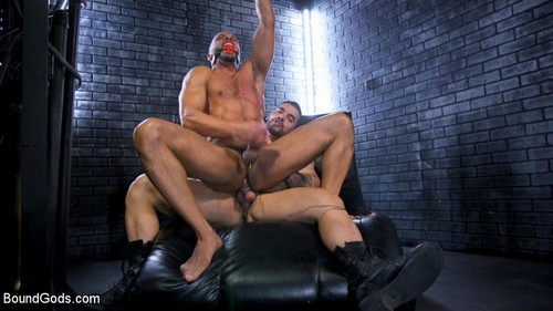 BoundGods - Dillon Diaz Serves The House (With Arad Winwin)