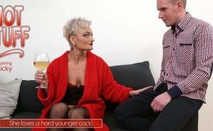 h3gjzgg66uxd - Ricky - Kinky mature lady fucking