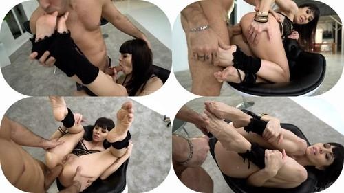 Sasha Colibri - Footie Diva (HD)