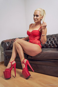 Nicole Vice/ Nicole Voss Nicole Vice - Red -
