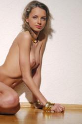 Natasha-D-Filosofika-x6vvcv1y2l.jpg