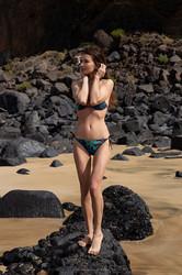 Brit-Bikini-Girl-55-pics-i6vveodqan.jpg