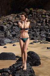 Brit-Bikini-Girl-55-pics-06vveoffmn.jpg