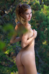 Aileen-Glamour-In-Nature-120-pictures-6720px-16vwdiga2s.jpg