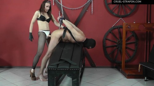 Mistress Anette - Arms bending back
