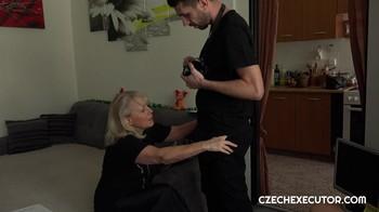 CzechExecutor Amateur MILF…