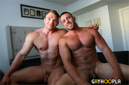 GayHoopla – Alpha Male Derek Jones Fucks Teddy Bear Dorian James