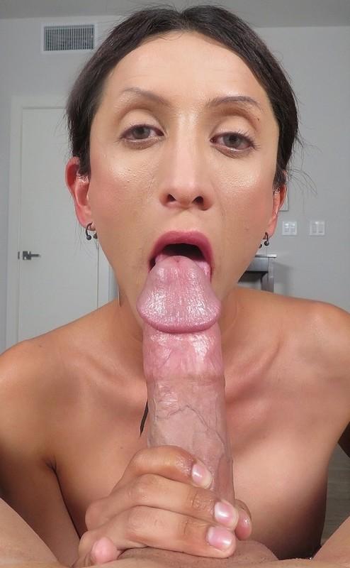 Ashley Silver Amateur Petite Trans Stunner Makes A Porno (10 June 2019)