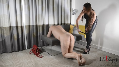 Julie Skyhigh - European Deputy Became A Julie''s Slave - Part 1: Forced Cumeating & Whipping