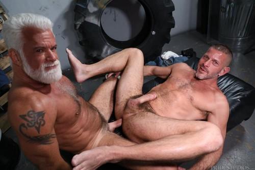 MenOver30 - Backroom Sex Diaries Part 1 (Clay Towers & Jake Marshall) Bareback