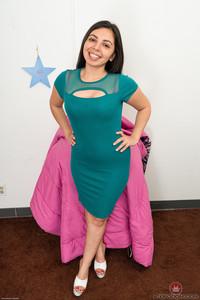 Luna Leve @TK 3x0t¡cs • Latinas #369697    Issue