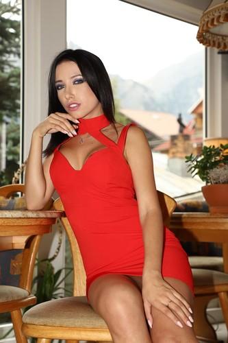 Youmixporn.com - Lola Bulgari - Naughty Nympho Craves Cock